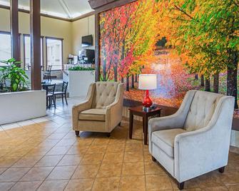Quality Inn & Suites Frostburg-Cumberland - Frostburg - Лоббі