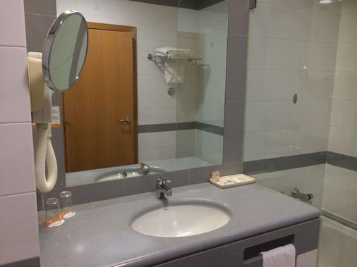 Hotel Riviera - Lisbon - Bathroom