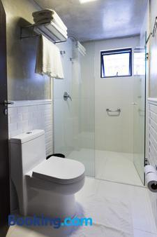 HM Hotel - Balneário Camboriú - Bathroom