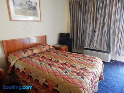 Bay Bridge Inn - Oakland - Bedroom