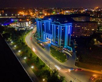 Dedeman Oskemen Tavros Hotel - Ust-Kamenogorsk - Outdoors view