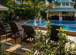 Paradise Beach Hotel - Coxen Hole - Pool