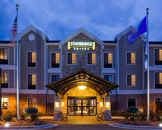 Staybridge Suites Milwaukee West-Oconomowoc - Oconomowoc - Building