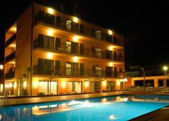 Restaurant Hotel Picasso - Torroella de Montgrí - Building