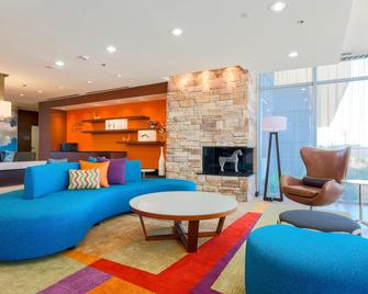 Fairfield Inn & Suites Pleasanton - Pleasanton - Living room
