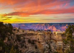 هوليداي إن إكسبرس هوتل آند سويتس جراند كانيون، آن آي آيتش جي هوتل - Grand Canyon Village - غرفة نوم