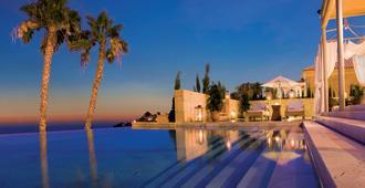 巴伊亞德爾杜克度假酒店 - 阿德杰 - 阿德赫 - 游泳池