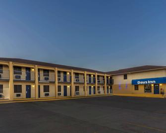 Days Inn by Wyndham Tucumcari - Tucumcari - Building