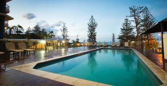 Beach House Seaside Resort - Coolangatta