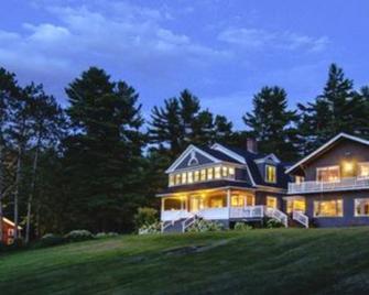 Snowvillage Inn - Snowville - Building