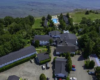Hotel La Roche Pleureuse - L'Isle-aux-Coudres - Venkovní prostory