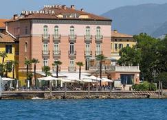 Bellavista Hotel Deluxe Apartments - Riva del Garda - Gebäude