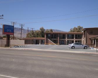 Executive Inn - Mojave - Building