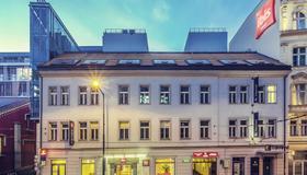 Ibis Praha Old Town - Praga - Edificio