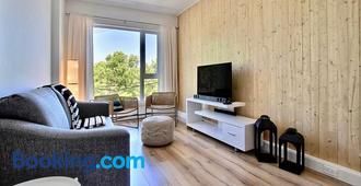 L'Architect 2 Bedroom Apartment in St Roch Quebec City by Belzile & Nicolas - Québec City