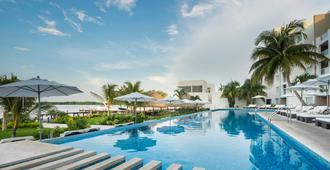 Real Inn Cancun - Cancún - Svømmebasseng