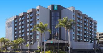 Embassy Suites by Hilton Los Angeles Int'l Airport North - Los Angeles - Rakennus