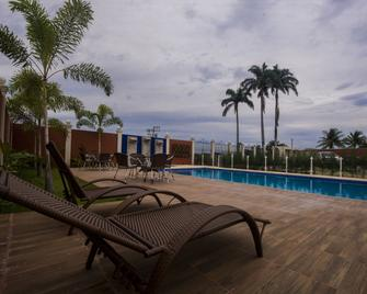 Hotel Encosta Do Horto - Жуазеіро До Норте - Басейн