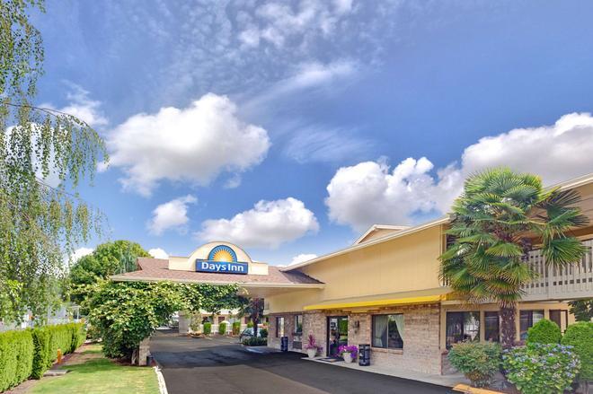 Days Inn by Wyndham Seattle South Tukwila - Tukwila - Edificio