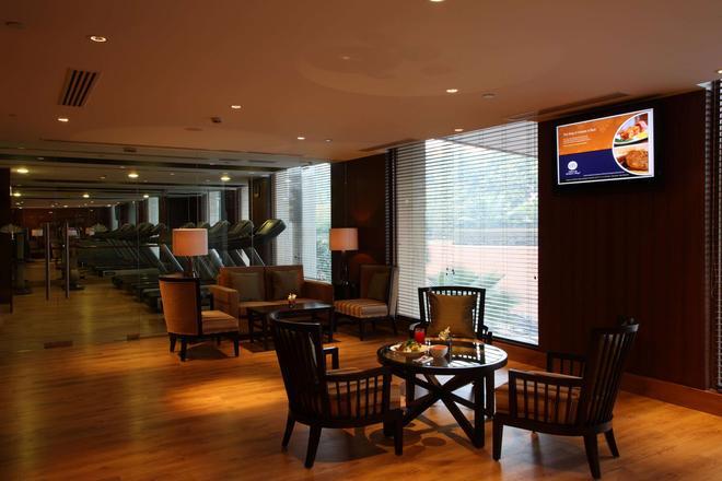 Radisson Blu Plaza Delhi - New Delhi - Bar