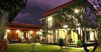 Lanta Thip House - Ko Lanta - Building