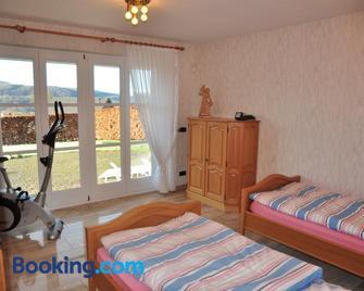 Ferienwohnung Heimbach Breuer - Heimbach - Bedroom