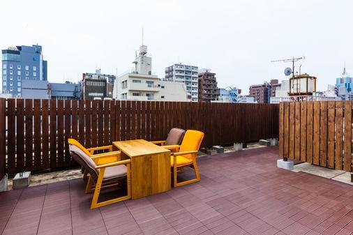 Enaka Asakusa Central Hostel - Tokyo - Balcony