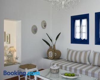 Folegandros Apartments - Folegandros - Living room