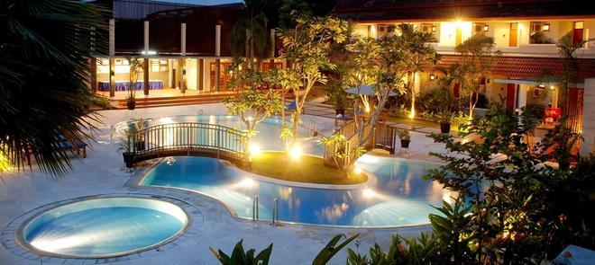 Lpp Garden Hotel - Yogyakarta - Pool
