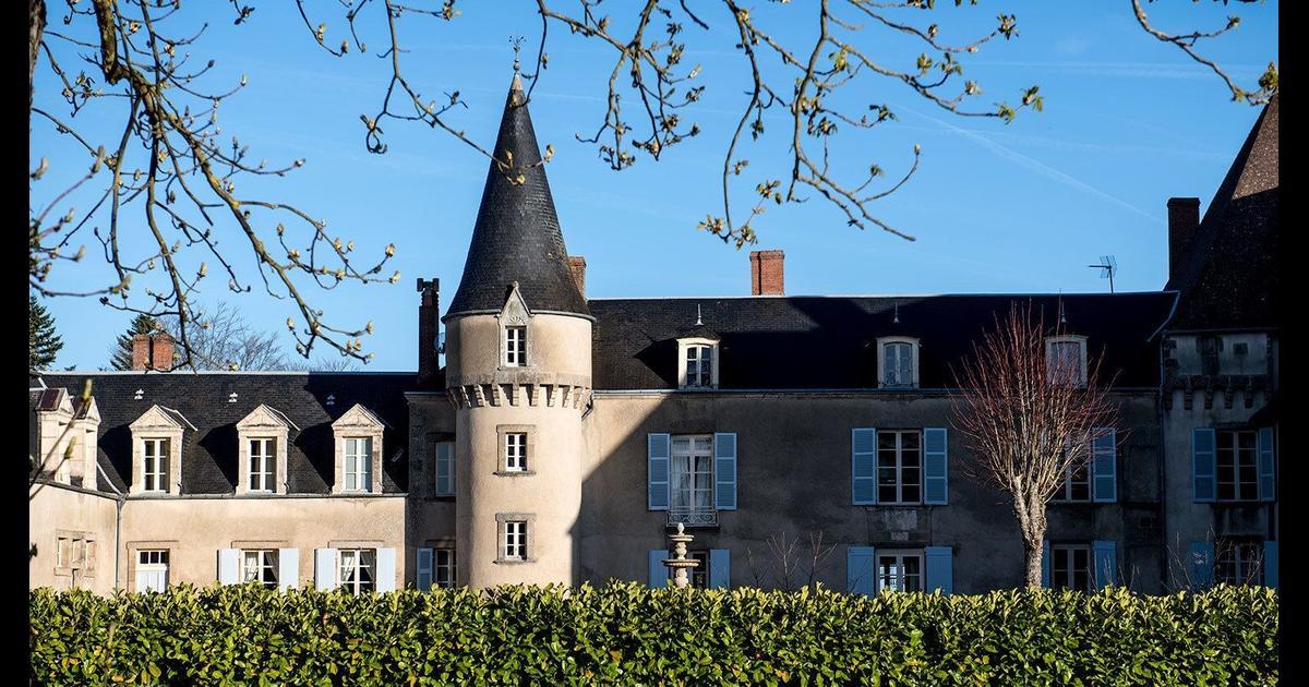 Chateau De La Lande 84 1 3 6 Crozon Sur Vauvre Hotel Deals