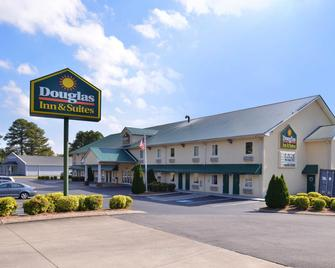 Douglas Inn And Suites - Cleveland - Gebouw