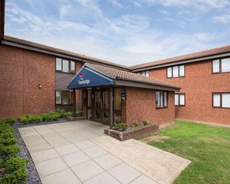 Travelodge Brentwood East Horndon - Брентвуд - Building