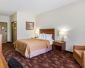 Econo Lodge - Luverne - Schlafzimmer