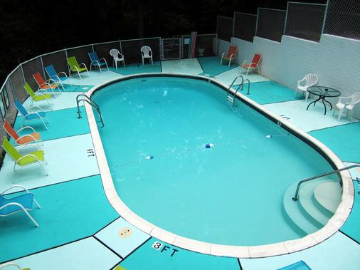 The Lodge - Eureka Springs - Pool