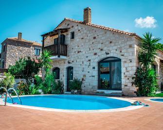 Niriides Villas - Piskopiano - Pool