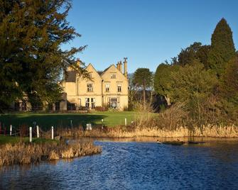 Classic Lodges - Bagden Hall Hotel - Huddersfield - Building