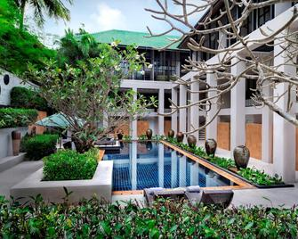 Manathai Surin Phuket - Choeng Thale - Pool