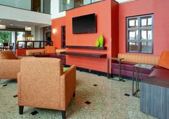 Drury Inn & Suites Terre Haute - Terre Haute - Lobby