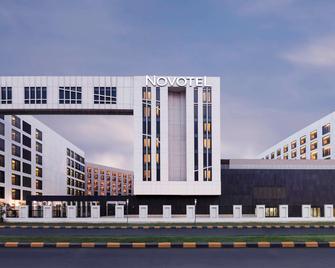 Novotel New Delhi Aerocity - New Delhi - Building