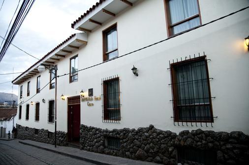Hotel Taypikala Cusco - Cusco - Building