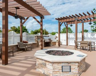 Country Inn & Suites by Radisson Port Canaveral - Cabo Cañaveral - Patio