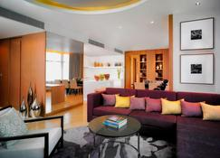 Marriott Executive Apartments Bangkok, Sukhumvit Thonglor - Bangkok - Living room