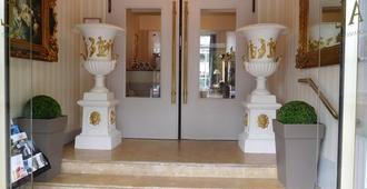 Brit Hotel Le Royal - Troyes - Troyes - Huoneen palvelut