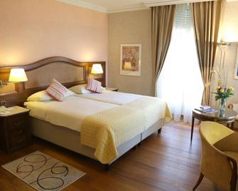 Best Western Hotel Bellevue Au Lac - Lugano - Bedroom