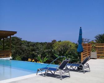 Richardson Serenity Villa - West End - Pool