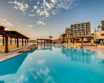Ax Sunny Coast Resort & Spa - Saint Paul's Bay - Pool