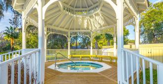 Best Western Plus St. Simons - Saint Simons - Pool