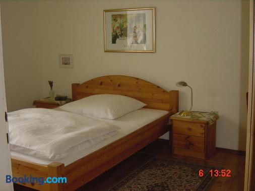 Hotel Schmidt - Selb - Bedroom