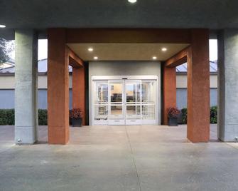 Best Western Porterville Inn - Porterville - Building