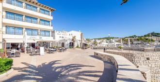 Hostal Port Corona - Cala Ratjada - Outdoor view